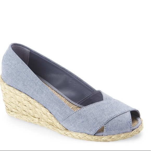 d109035976b Ralph Lauren Cecilia Chambray Espadrille Wedge New NWT